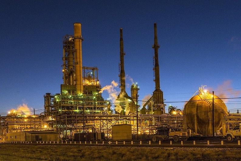 EXCLUSIV Noua taxare la petrol și gaze: impozit pe profit de 35%, facilități din 1999 abrogate, sistem pe 20 de ani