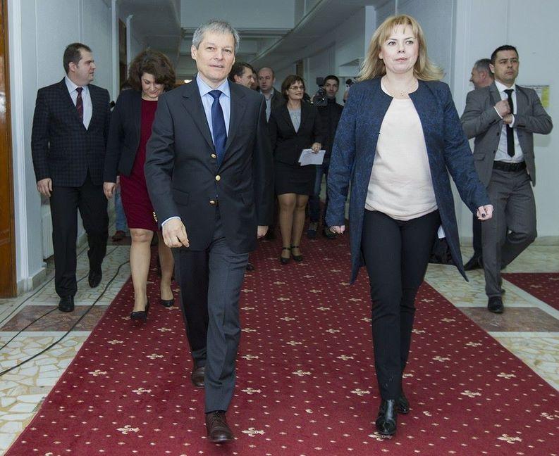 Dragu: Peste 13.700 de instituții vor publica bugetele pe site-ul Finanțelor. Cioloș: Este un instrument revoluționar de urmărire a banilor publici