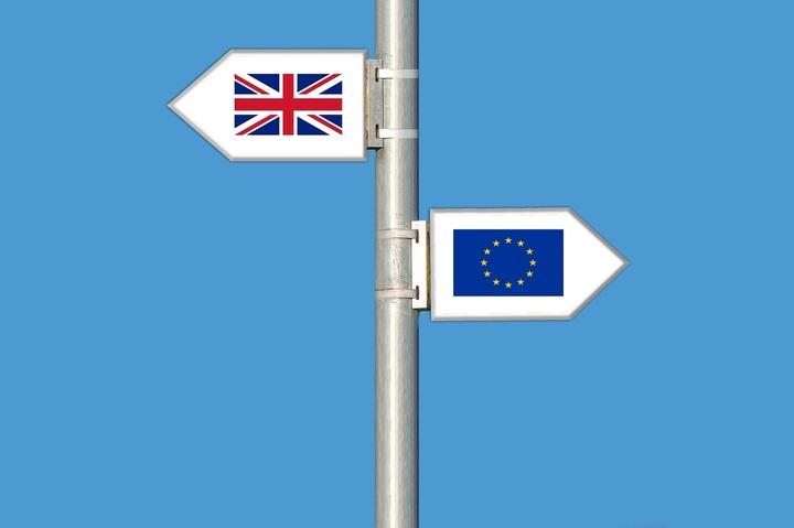 """Brexit: Moody's a înrăutățit perspectiva ratingului suveran al Marii Britanii de la """"stabilă"""" la """"negativă"""""""