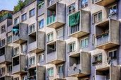 60.000 de euro, pragul de sus pentru cei care își caută casă; piața imobiliară este a apartamentelor cu două camere