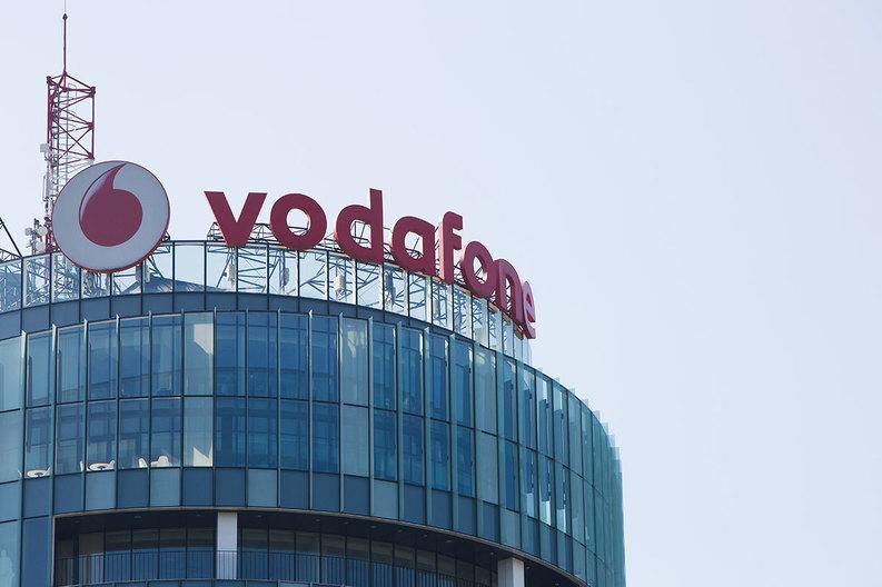 Decizie neașteptată luată de Vodafone România. Ce se întâmplă cu mii de angajați