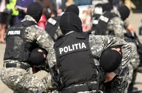 Poliția vrea să cumpere pistoale, puști cu lunetă, cartușe și grenade acustice cu 11,4 mil. lei