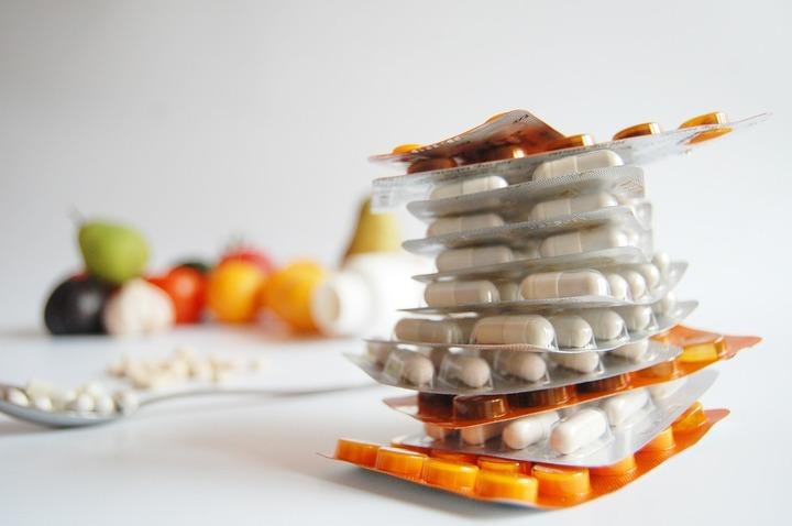 Prețul medicamentelor nu va mai fi stabilit prin ordin de ministru, ci prin hotărâre de guvern. Metodologia de calcul va fi schimbată