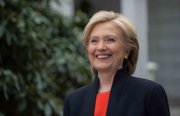 Sondaj alegeri SUA: Hillary Clinton conduce detașat cursa pentru votul electorilor