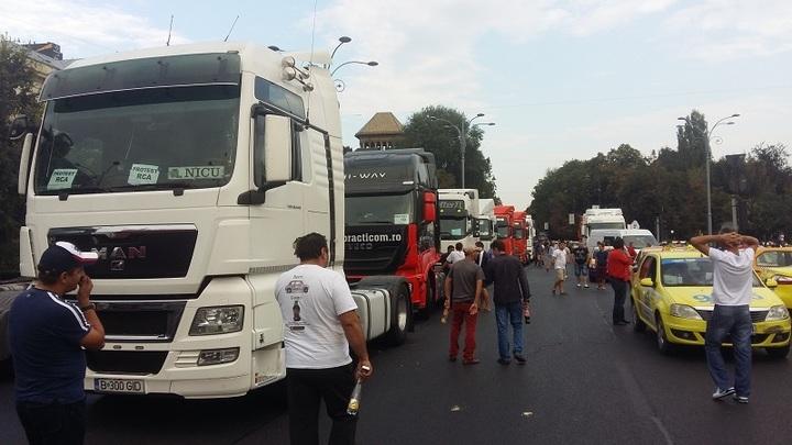 Patronatul COTAR al transportatorilor anulează protestul anunțat pentru 2 noiembrie, după o discuție la Guvern