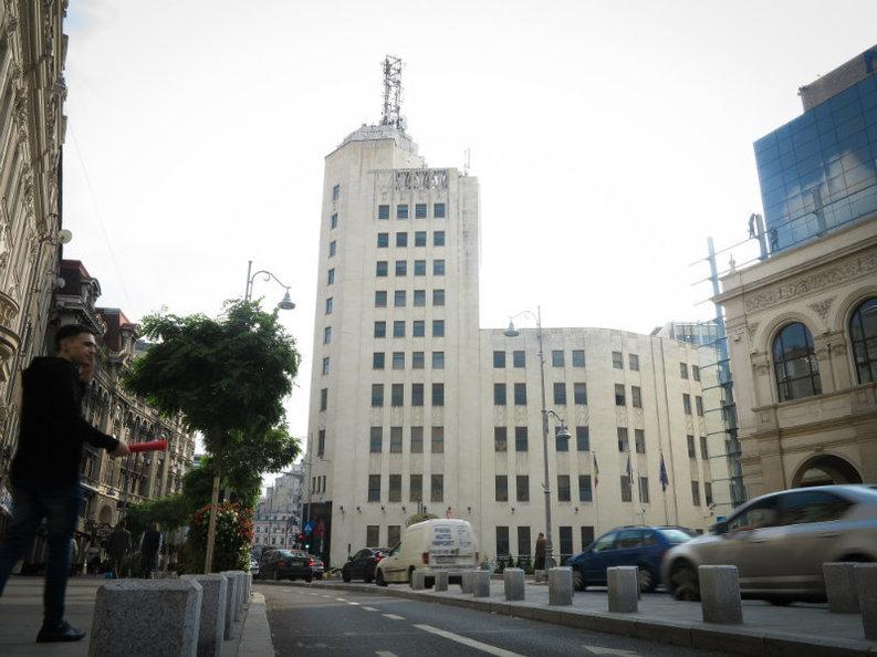 EXCLUSIV ANCOM renunță la cumpărarea Palatului Telefoanelor. Clădirea a fost scoasă la vânzare și pe OLX