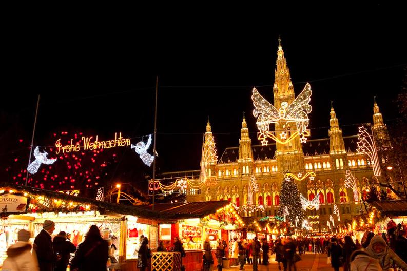 Minivacanța de 1 decembrie: Românii aleg city break-uri la Viena, Praga, Amsterdam. În țară, pensiunile sunt 90% ocupate