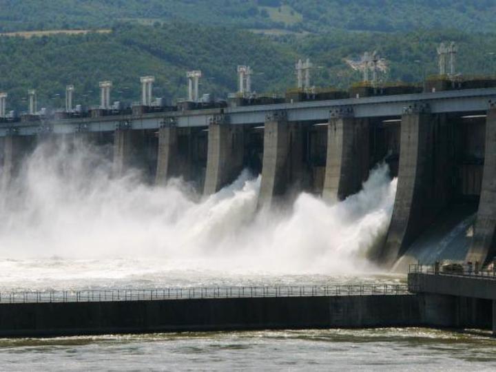 """Asigurătorii au zis """"pas"""" cererii Hidroelectrica pentru o poliță care să acopere pierderile generate de eventuale erori ale șefilor, în limita a 50 milioane euro"""