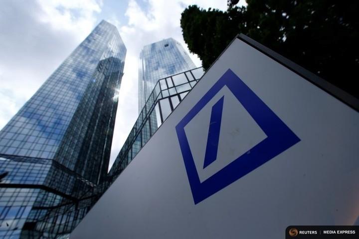 Profitul net al Deutsche Bank a scăzut puternic în trimestrul al doilea, la 18 milioane de euro