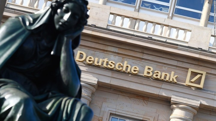 Acțiunile Deutsche Bank au coborât la un minim record din cauza temerilor legate de capital
