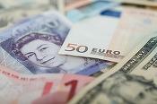 Sondaj Reuters: Lira sterlină va scădea la 1,15 dolari după activarea articolului 50