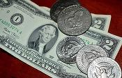 Leul se devalorizează în fața principalelor valute; dolarul atinge un nou nivel maxim istoric, de 4,35 lei