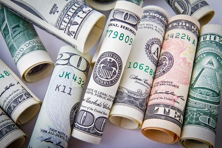 Dolarul se depreciază după ce Trump a afirmat vineri că moneda este prea puternică