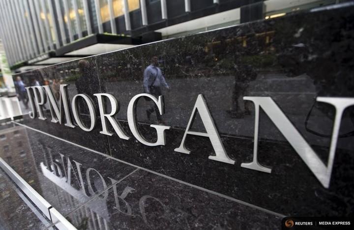 Directorul JP Morgan a câștigat 28 milioane dolari în 2016
