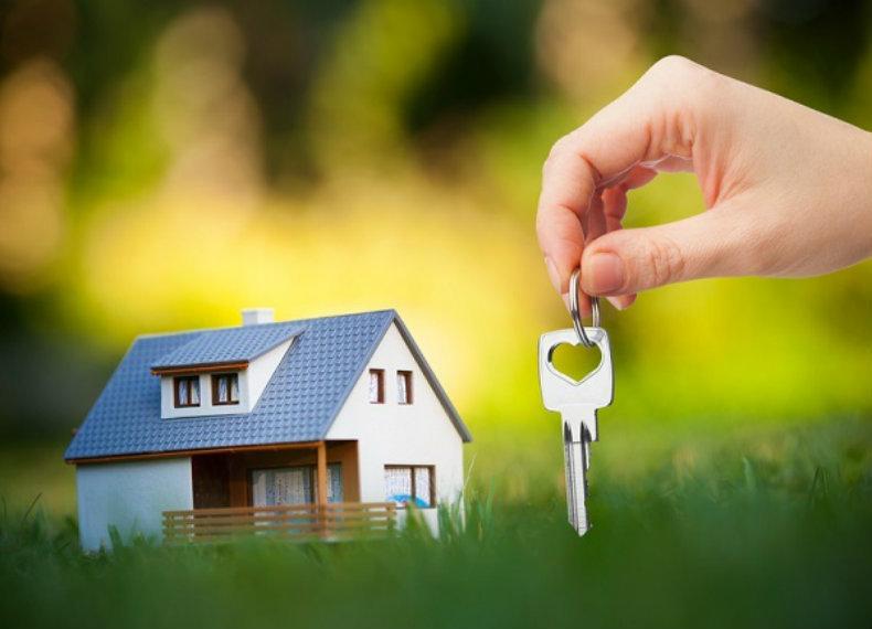 Darea în plată: Aproape 460.000 de români au credite cu garanții ipotecare. Aproape 15% au restanțe