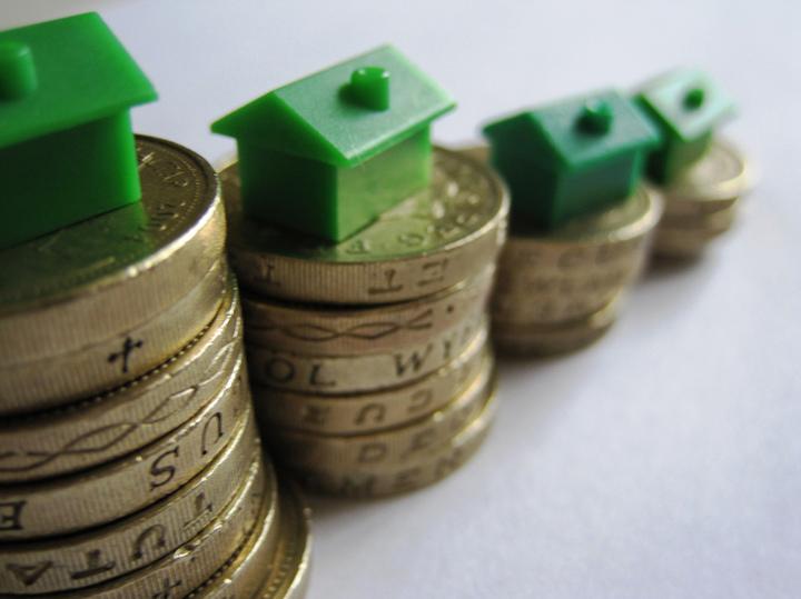 Creditul pentru locuințe a crescut în iunie, după ce darea în plată a intrat în vigoare