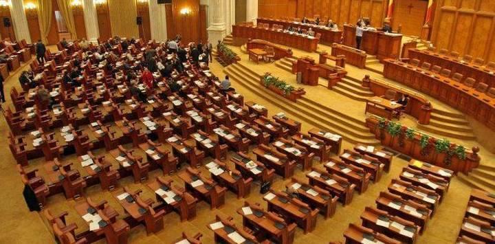 Conversia creditelor, pe ordinea de zi a ședinței Comisiei juridice de marți