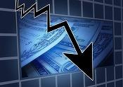 Petrolul își continuă deprecierea, pierzând 10% de la începutul anului