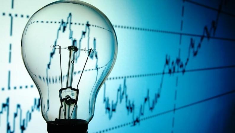 Consumul național de electricitate a crescut cu 5,9% în primele 11 luni ale anului trecut