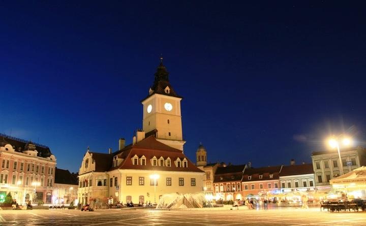 RCS&RDS se bate cu Enel, Electrica, CEZ, E.ON și alte 6 firme pentru a furniza curent electric Brașovului