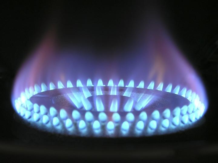 Guvernul a înghețat prețul gazelor pentru populație până la 31 martie 2017