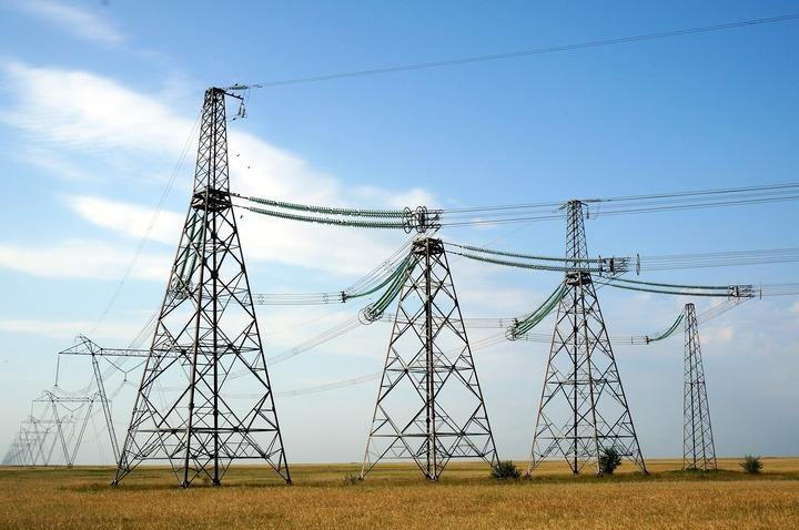 Noi culmi birocratice: ANRE mărește perioada de conectare la rețea, Ministerul Energiei înființează comisii de reducere a acesteia
