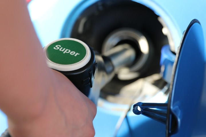 Petrolul revine pe scădere și coboară sub 47 dolari/baril după ce Iranul a temperat așteptările privind un acord în Algeria