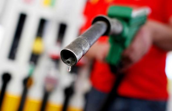 Benzina și motorina s-ar putea scumpi cu 10% în urma acordului OPEC și a evoluției cursului leu/dolar