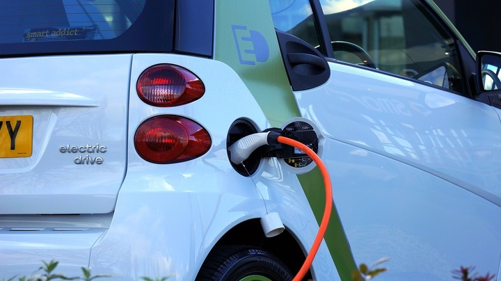 Electrica și OMV Petrom au lansat prima stație de încărcare rapidă pentru mașini electrice