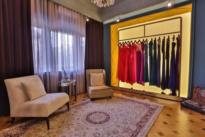 Peste 1.800 de românce și-au închiriat rochii de ocazie prin Dressbox, care și-a dublat afacerile în acest an