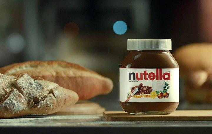 Mari retaileri italieni refuză să mai vândă Nutella acuzând o substanță potențial cancerigenă. Producătorul Ferrero se apără