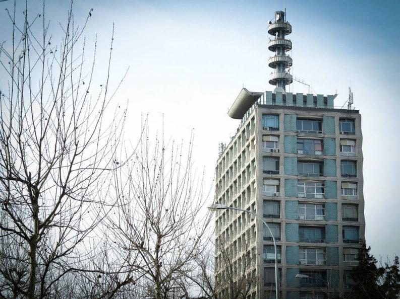 Plățile întârziate de Televiziunea Română obligă operatorul telecom SNR să se împrumute la bancă pentru a avea lichidități