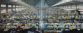 Foxconn a înlocuit 60.000 de angajați cu roboți