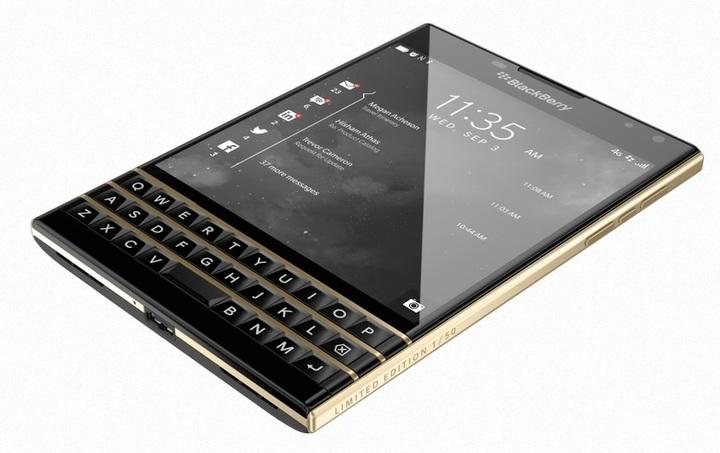 BlackBerry externalizează producția de smartphone-uri, pe fondul declinului veniturilor