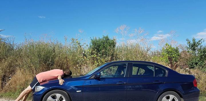 Mașinile închiriate trăiesc palpitant: unii clienți uită în interior șosete sau ceasuri Rolex, alții se îndrăgostesc de autoturism