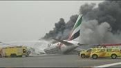 VIDEO Un avion al companiei Emirates s-a prăbușit în timpul aterizării pe pista aeroportului Dubai