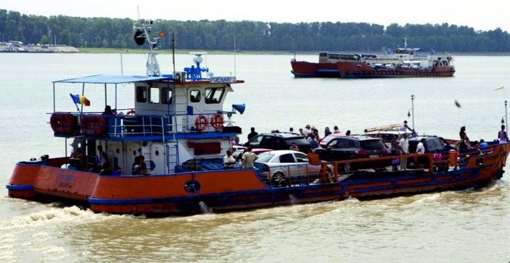 Navrom Galați estimează pierderi de un milion de euro din cauza problemelor de navigație întâmpinate pe Dunăre