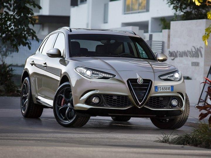 Alfa Romeo lansează la Los Angeles primul model SUV al mărcii, Stelvio