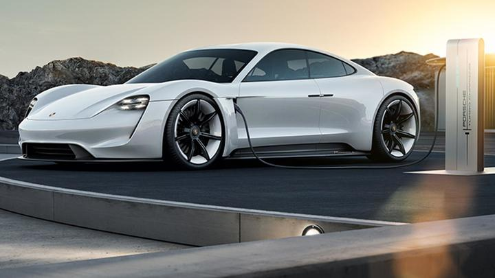Porsche țintește livrarea a 20.000 de automobile electrice pe an