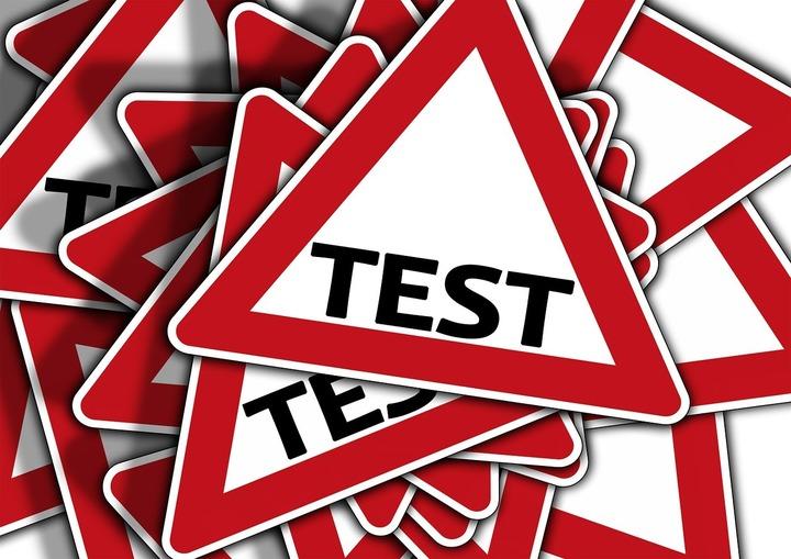 Transportatorii cer autorităților să asigure cadrul necesar examinării în limba engleză a șoferilor din afara UE