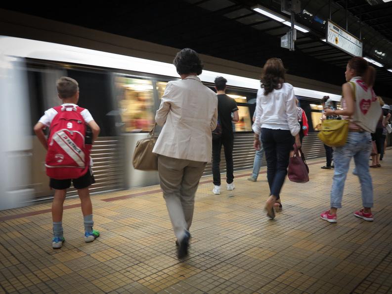 Metrorex ar putea limita accesul călătorilor în stații