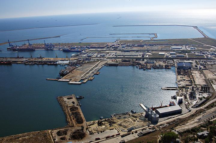 Portul Constanța își va dezvolta infrastructura pentru preluarea reziduurilor petroliere aduse de nave prin investiții