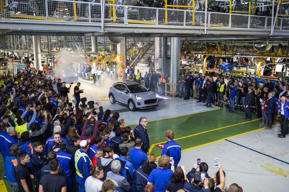 PHOTO Ford launches SUV-ului Puma, La Craiova, first hybrid automobile in Romania