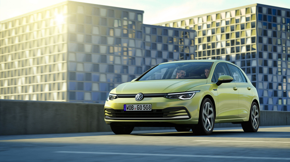 PHOTO Picture taken with the new Golf 8 directly from Golfsburg. The launch of Europe's best-selling car was the size of a Hollywood movie