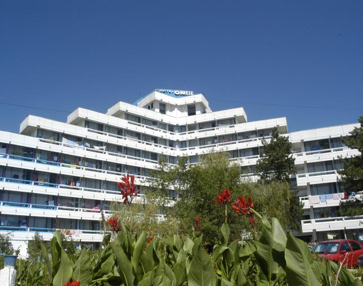 EXCLUSIV Goschy a găsit cumpărător pentru hotelurile Onix și Safir din Cap Aurora și așteaptă acordul Piraeus, unde sunt gajate
