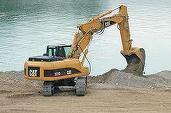 După 20 de buldozere, Apele Române vrea să cumpere și 16 excavatoare, cu 11,7 milioane lei