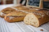 OCDE: Pâinea din România este printre cele mai ieftine din Europa, dar laptele este printre cele mai scumpe produse alimentare
