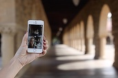Microsoft lansează o aplicație foto care folosește inteligența artificială pentru a realiza fotografii mai bune
