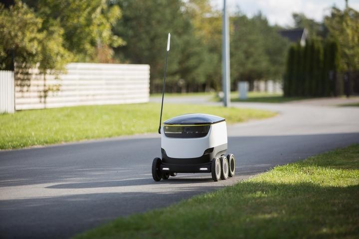 Starship Technologies face primele livrări de produse cu roboți, în Statele Unite