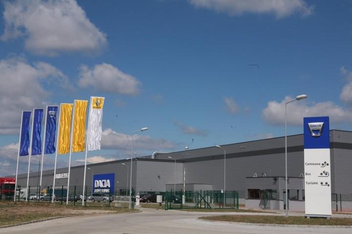 Grupul Renault recrutează 300 de oameni la târguri de joburi Angajatori de Top